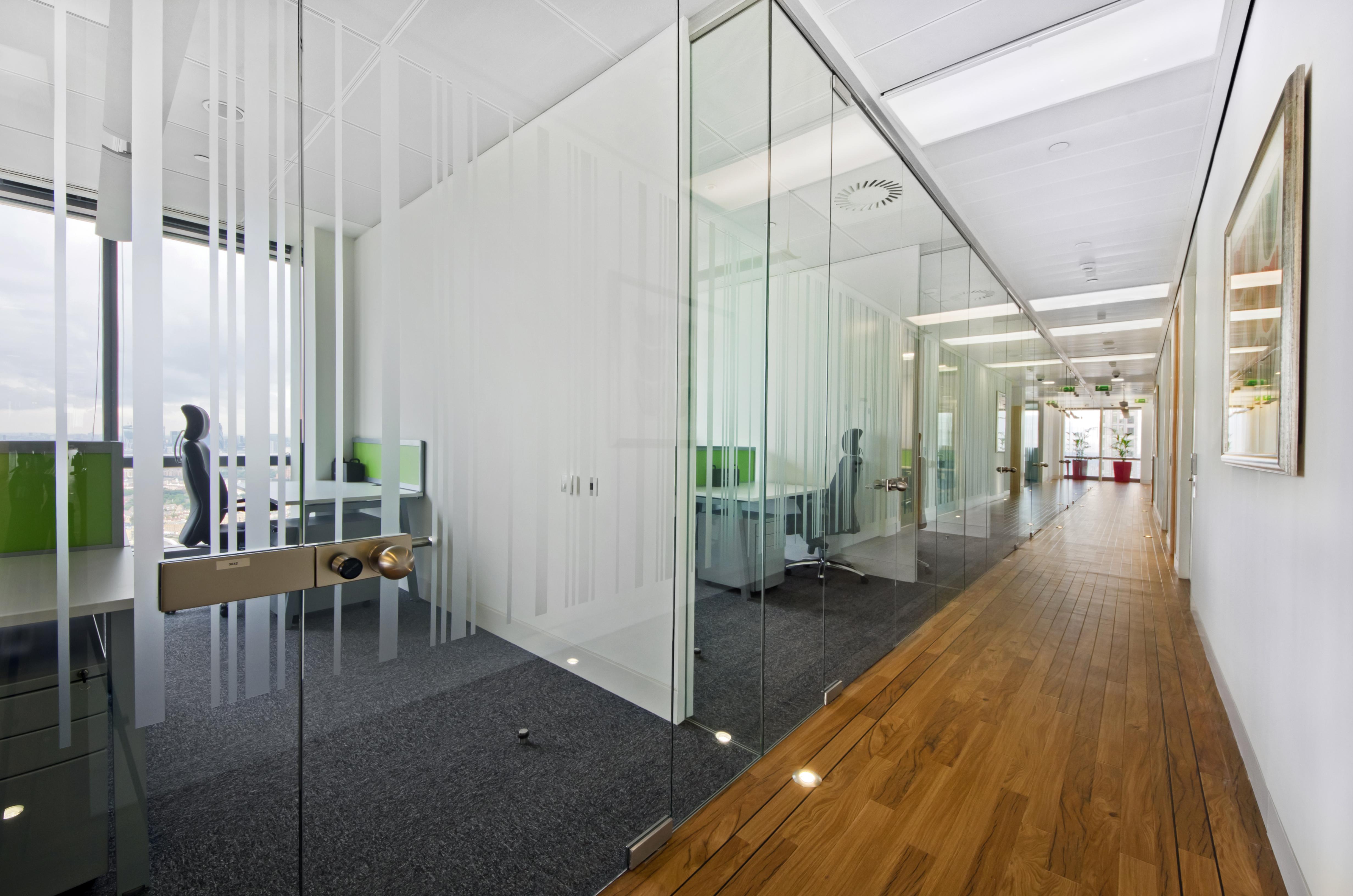 hallway-canary-wharf-office-space