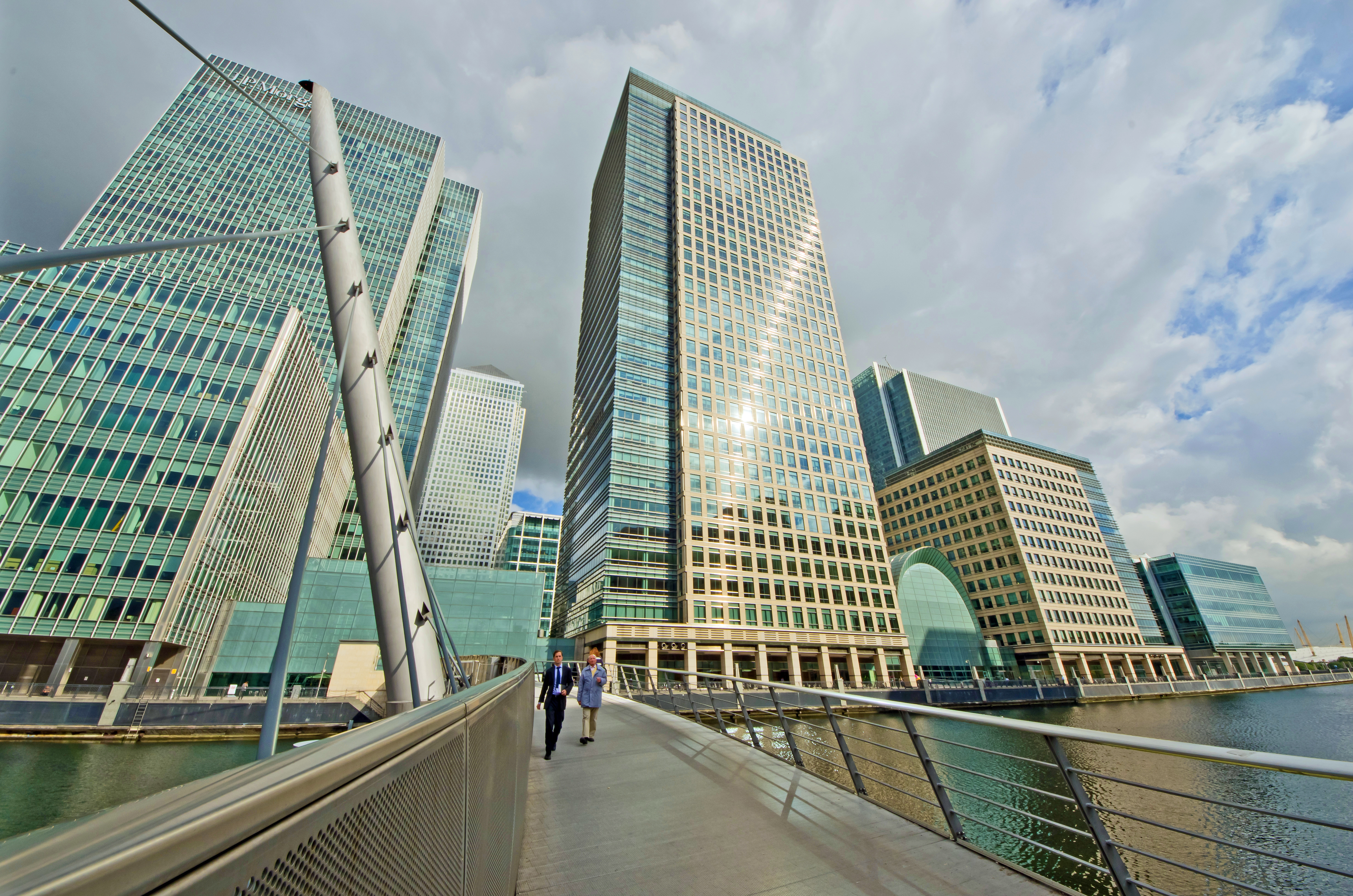 skyscraper-view-canary-wharf-office-space