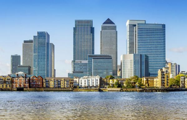 view of canary wharf skyscrapers